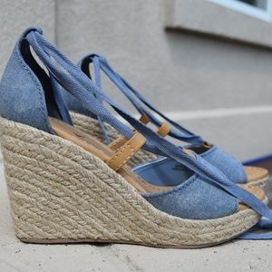 New American Eagle Blue Wedge Heels Sandals Size 7